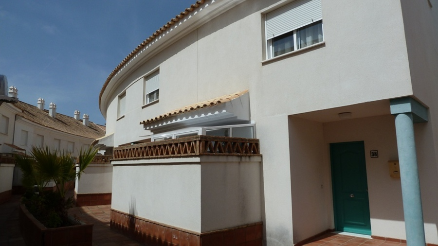 0303: Townhouse for sale in Nuevo Portil