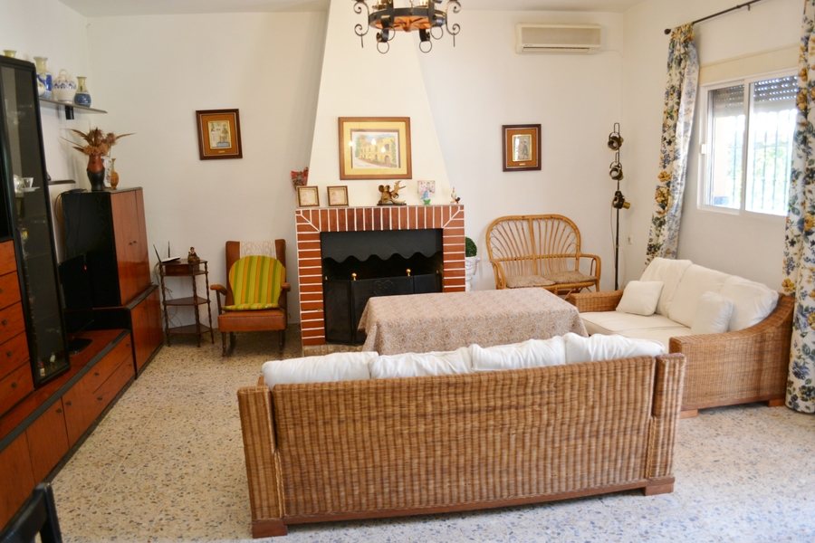 Hinojos 4 Bedroom Finca