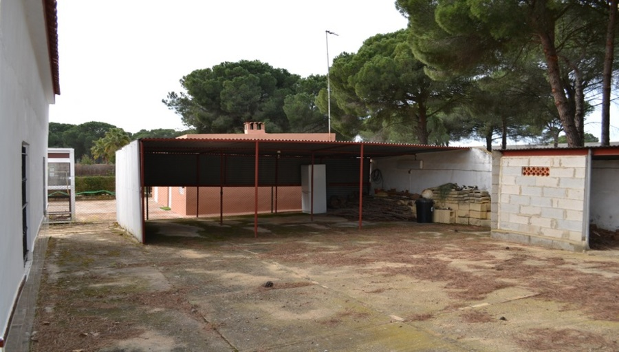 Finca For sale Bonares