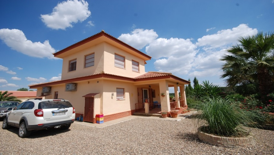 Finca 4 Bedroom  For sale