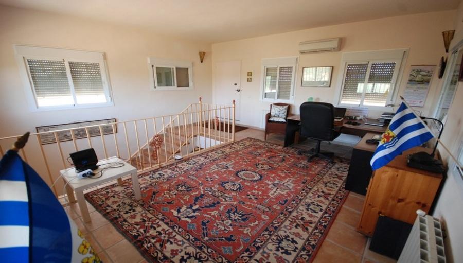 Finca 4 Bedroom  For sale