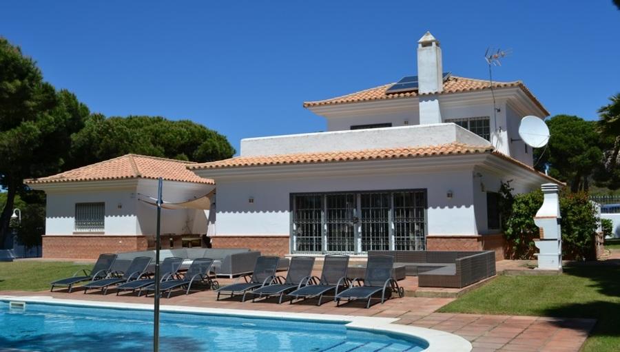 5 Bedroom Nuevo Portil Villa