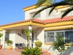 1046: Villa for sale in Nuevo Portil